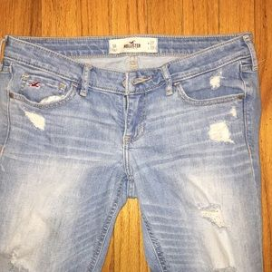 Relaxed Hollister Jeans with Rips Regular Length